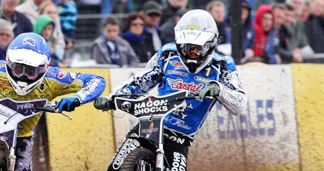 Darcy Ward in action for the Poole Pirates