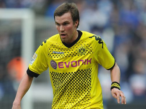 Grosskreutz has signed a new contract until 2016.