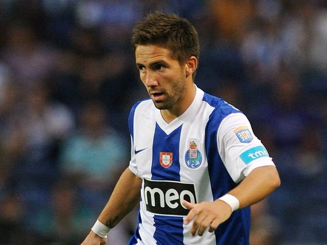 Moutinho: Villas-Boas still wants midfielder