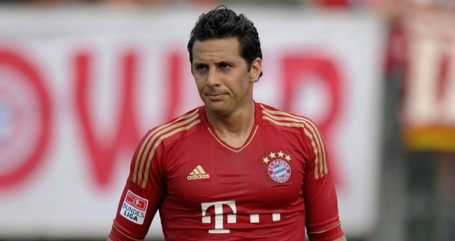 Claudio Pizarro: Signed a new deal