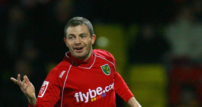 Cureton: Two-goal hero