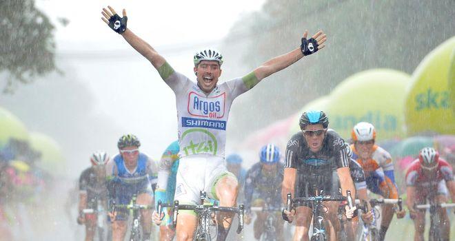 Degenkolb celebrates his victory