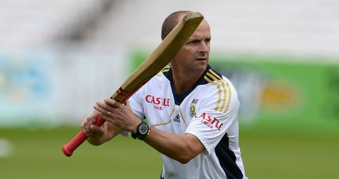 Gary Kirsten: Refused to comment on Kevin Pietersen's absence