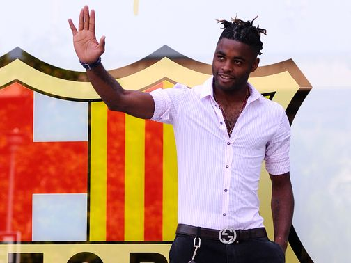 Alex Song: Completes Barcelona switch