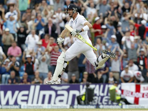 Pietersen celebrates his century at Headingley