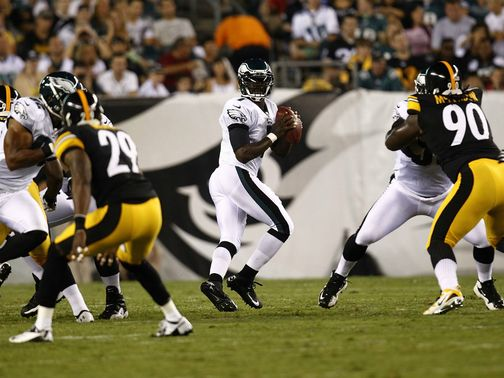 MIchael Vick: Philadelphia QB suffered thumb injury on first appearance of pre-season