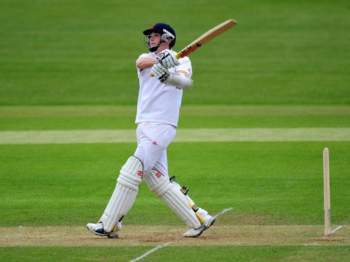 Woakes: Defiant innings of 80