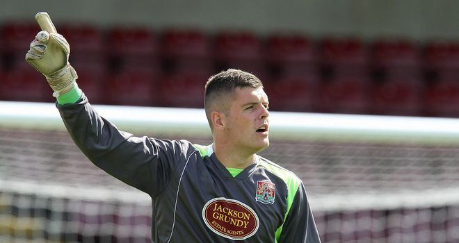 Roberts: Heads to Whaddon Road