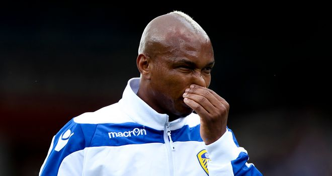 El-Hadji Diouf: Will stay at Leeds, according to manager Warnock