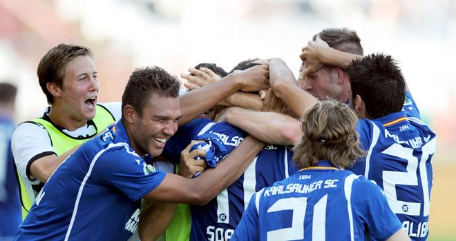 Karlsruhe celebrate surprise win over Hamburg in DFB-Pokal