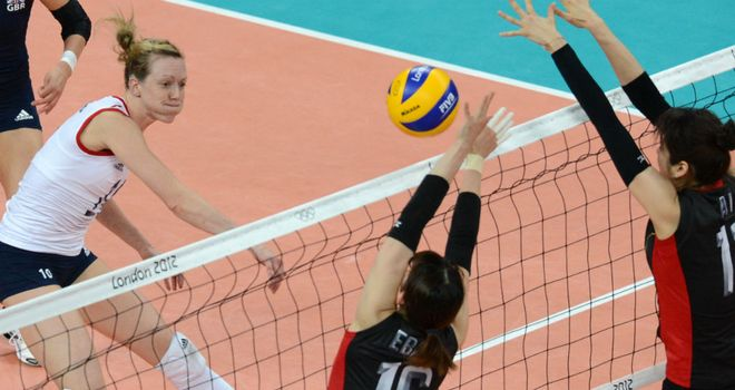 Lyn Beattie (L): Could not lead her team to victory over Japan