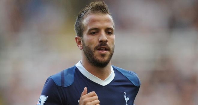 Rafael van der Vaart: Set to undergo a medical at Hamburg before re-signing for the Bundesliga club