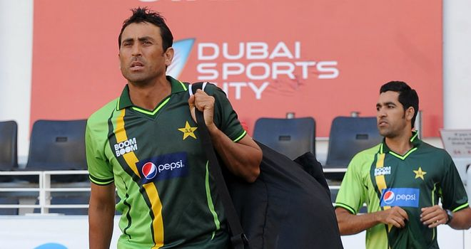 Younus Khan (L) and Umar Gul: Left out of squad to face Australia