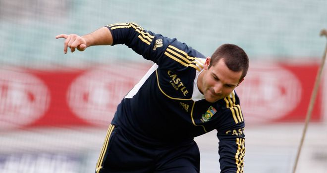 Dean Elgar: Replaces the injured JP Duminy for the remainder of the series