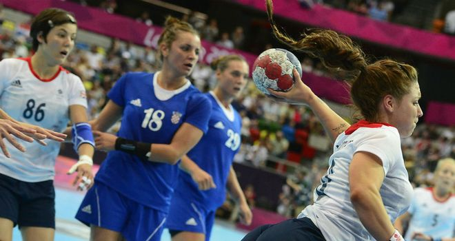 Great Britain winger Kelsi Fairbrother fires in a shot