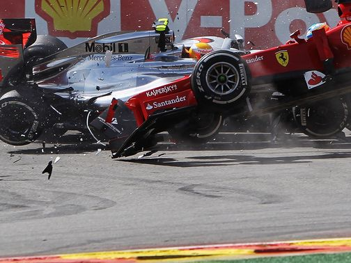 Fernando Alonso: Big crash in Belgian Grand Prix