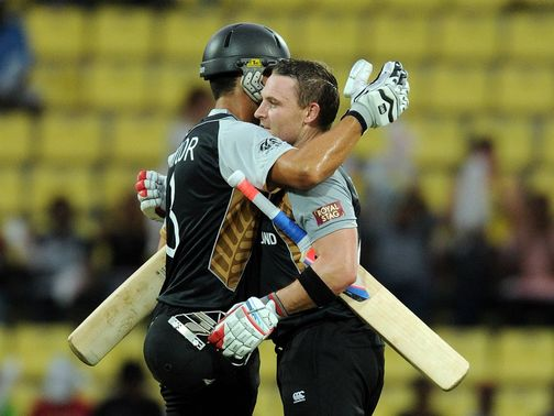 Brendon McCullum and Ross Taylor celebrate