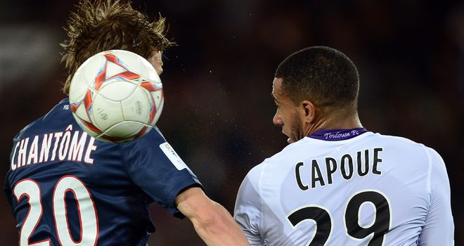 Clement Chantome and Etienne Capoue do battle