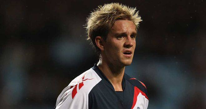 Stuart Holden: More injury woe for Bolton midfielder