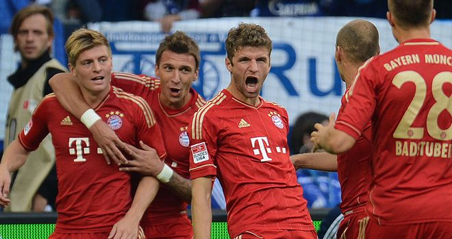Toni Kroos (l): In confident mood for Bayern Munich&#39;s game against Lille