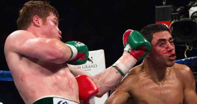 Saul Alvarez (L): Was in dominant form against Josesito Lopez