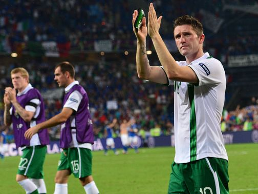 Robbie Keane: Wants camp to 'stick together'