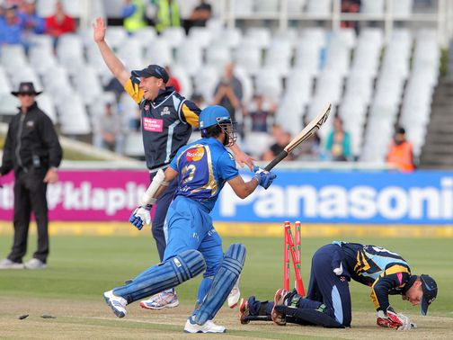 Yorkshire run out Sachin Tendulkar