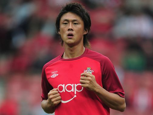 Tadanari Lee: Southampton striker moving back to Japan