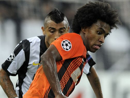 Willian: Keen on move to Spurs or Chelsea