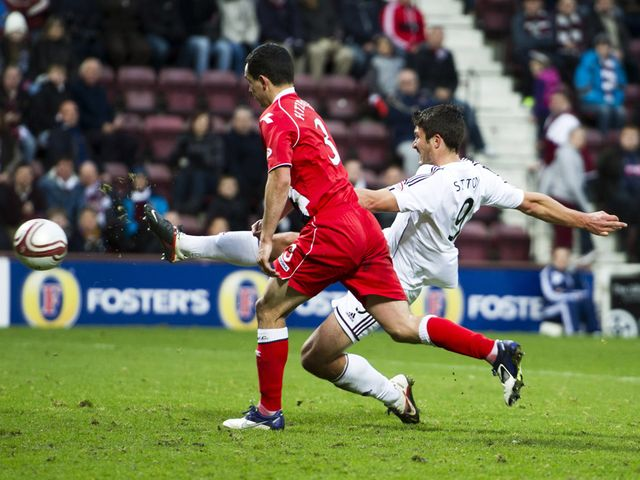 John Sutton secures a point for Hearts