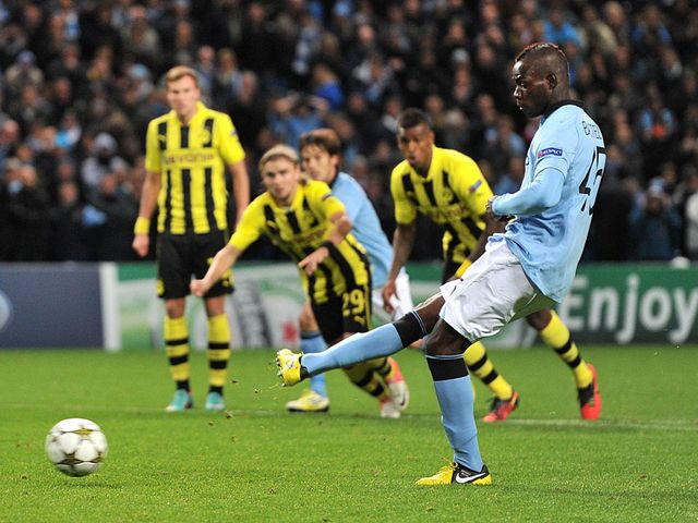 Mario Balotelli slots home Manchester City's equaliser