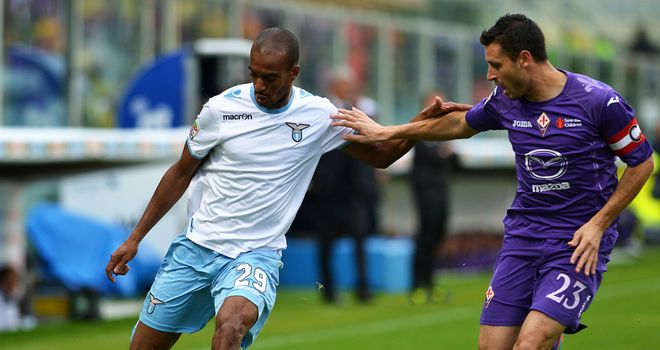 Abdoulay Konko in action for Lazio.