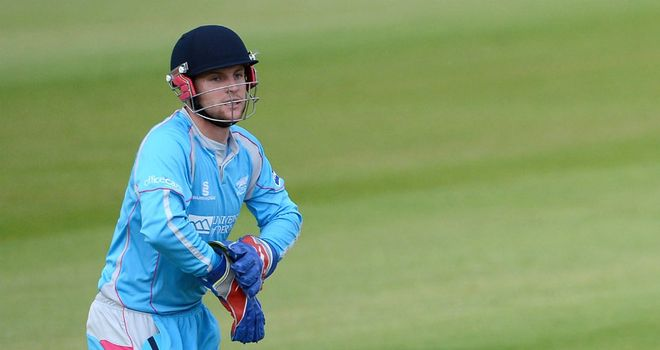 Tom Poynton: New three-year deal with Derbyshire
