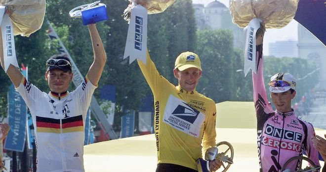 Lance Armstrong: Celebrating 2001 title