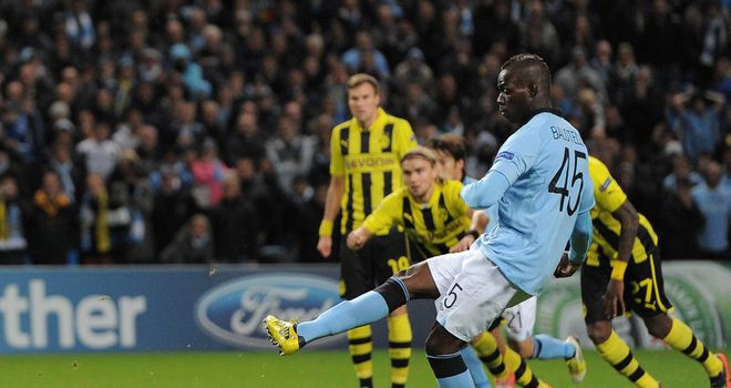 Mario Balotelli levelled for Man City with a controversial late penalty