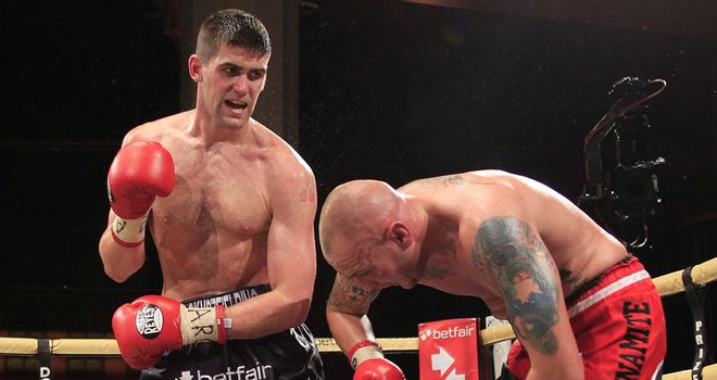 Rocky Fielding (L) proves too strong for Carl Dilks (pic Lawrence Lustig)