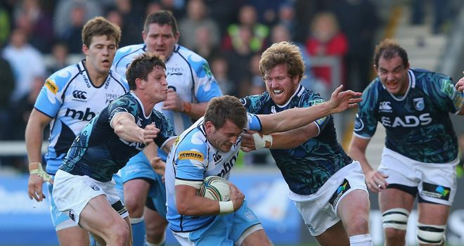 Andy Kyriacou gets to grips with Sale's Mark Cueto