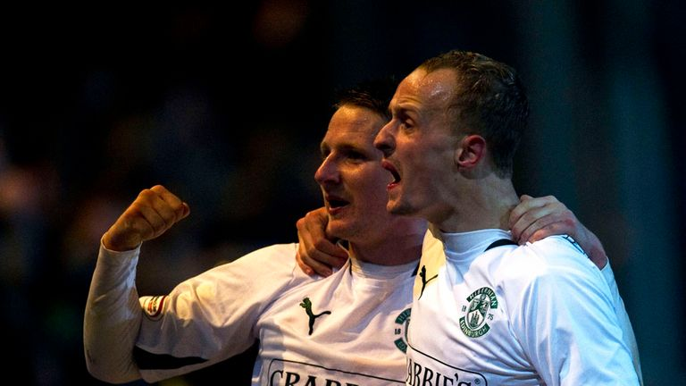 Cairney: Celebrates Hibs goal with Griffiths