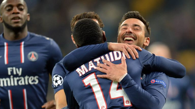 Ezequiel Lavezzi celebrates his winning goal for Paris Saint Germain
