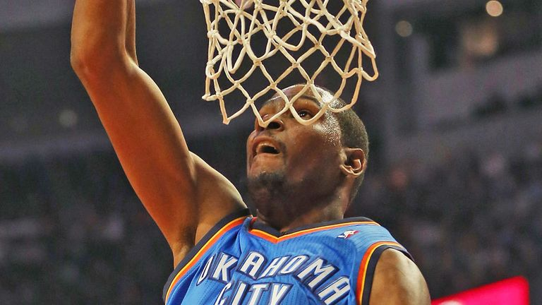 Kevin Durant: Scored 32 points in Tuesday's 117-111 victory over the Brooklyn Nets