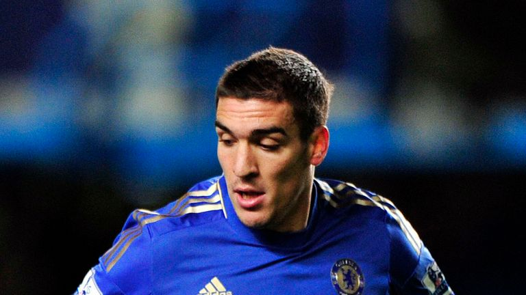 Oriol Romeu: Chelsea midfielder linked with Valencia loan