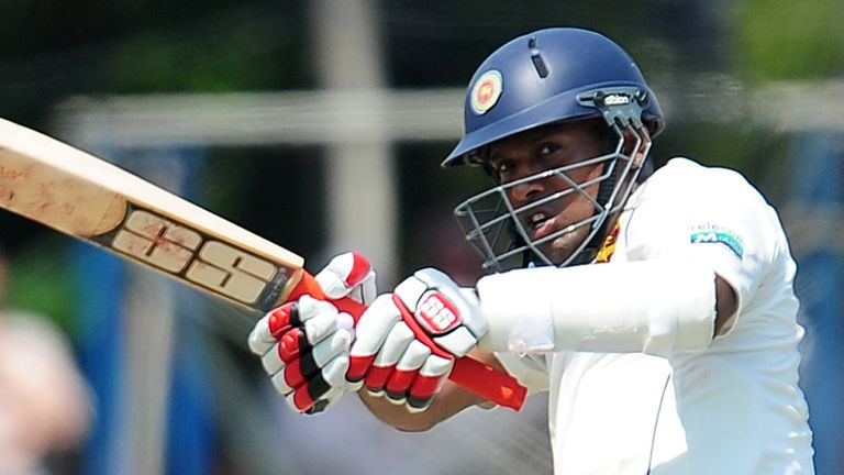 Thilan Samaraweera: Unbeaten half century on day three