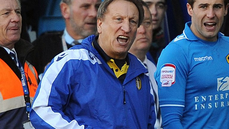 Neil Warnock: Issues rallying call to Leeds players and fans