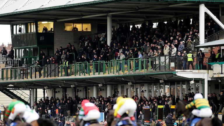 Warwick: Wednesday's meeting abandoned due to waterlogged track