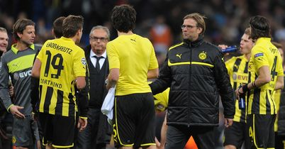 Jurgen Klopp: Celebrates with Dortmund players