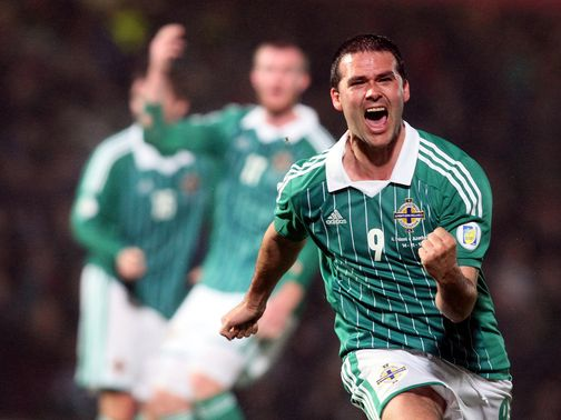 David Healy celebrates his last-gasp equaliser