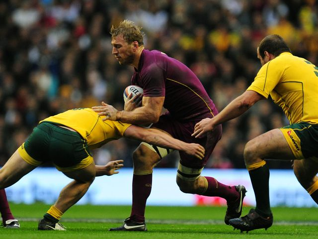 Chris Robshaw looks for a way through