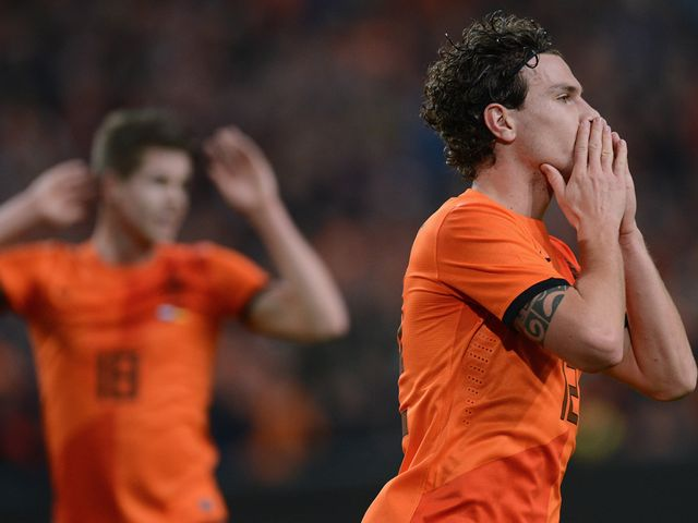 Daryl Janmaat comes close to breaking the deadlock
