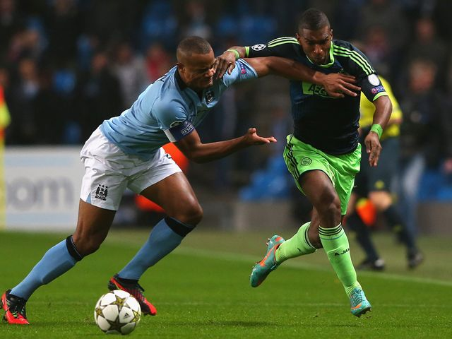 Vincent Kompany tangles with Ryan Babel
