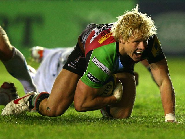 Matt Hopper goes in for a Quins try